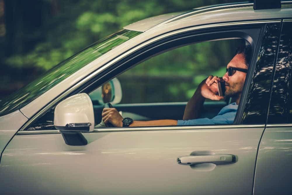 multas gravissimas dirigir falando ao celular