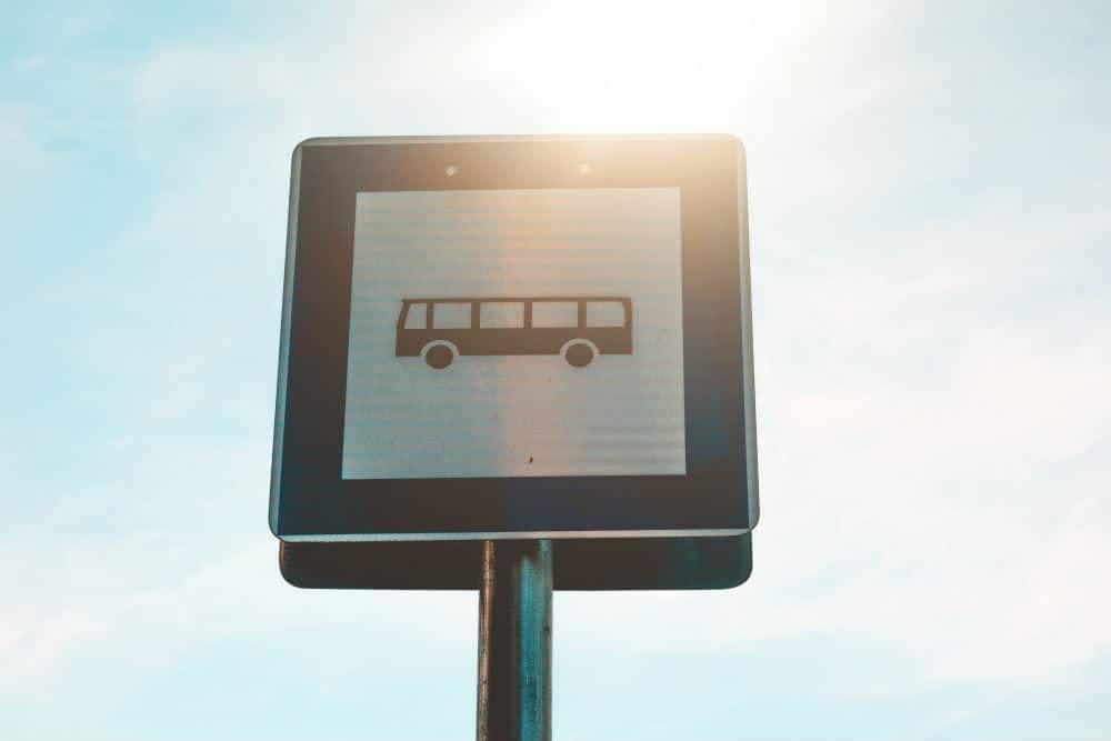 multas gravissimas transitar faixa onibus